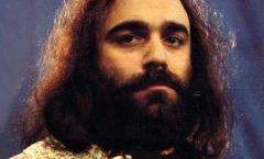 El cantante Demis Roussos muere a los 68 años en Atenas