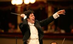 El director de orquesta Gustavo Dudamel habla sobre el futuro de las discográficas