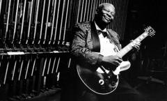 La Emoción Se Fue... Muere el Rey del Blues B.B. King