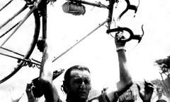 Gloria a los héroes del ciclismo.