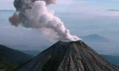 """El Volcán de Colima entra en una """"fase de actividad permanente"""""""