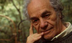 El escritor chileno tenía 103 años y problemas de salud que no fueron precisados