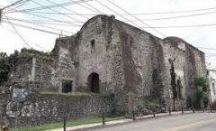De Moctezuma a H. Cortes y un hospital en abandono
