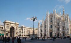 En el duomo de Milán vacío canta Andrea Boccelli