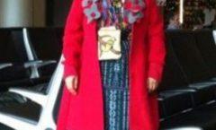 Indigena estudiante de doctorado echada de una cafetería