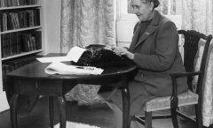 Agatha Christie, tan popular como hace 100 años