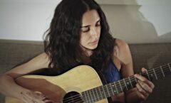 """""""Amanecer"""" tema e interpretación de Jazmín Solar"""