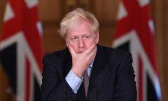 "Boris Johnson asume ""toda la responsabilidad"" por las 100 mil muertes en Reino Unido"