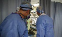 Acusan a médico de asesinar a pacientes con covid-19 para liberar camas