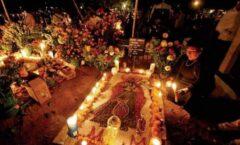 Un funeral comunitario virtual para Eustolia