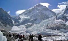 Caída de trozo de glaciar del Himalaya, 200 desaparecidos en India