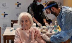 Al vacunar a adultos mayores se reducirán muertes