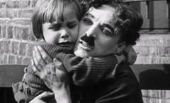 Chaplin y El chico: cien años de una obra maestra