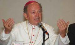 El obispo Don Luis Felipe Gallardo Martín Del Campo S. D. B.lo felicitamos con gratitud a sus 20 años de episcopado.