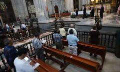 """Población católica disminuyó 5% en una década por desgaste moral y """"mal ejemplo"""": Arquidiócesis"""