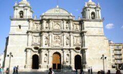 El reloj de La Catedral de Oaxaca