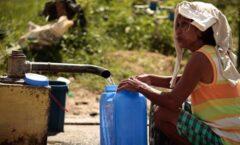 Una de cada tres personas en el mundo carece de agua potable, advierte la ONU