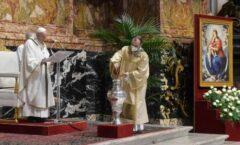 La persecución y la Cruz están ligadas al anuncio del Evangelio: Papa Francisco