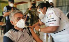 Inmunizan a 81% del sector educativo en CDMX