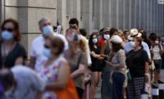 Nueva ola de contagios, por mutaciones del virus y relajación de medidas preventivas