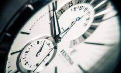 Simon Winchester y la fascinación por los relojes