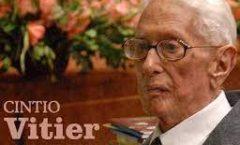 Cintio Vitier agradeció al autor dePedro Páramocrear el reino invisible de Comala