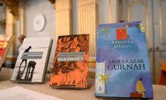 Gurnah ha publicado novelas y cuentos, conocido por su novelaParadise,1984