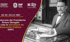 En 1921, por decreto de Álvaro Obregón, se creó la Secretaría de Educación Pública.